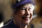 La regina impaziente per il royal baby: devo partire per le vacanze