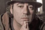 Luca Carboni torna alla musica e duetta con Fabri Fibra