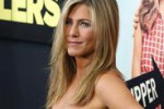 Jennifer Aniston, inedita spogliarellista al cinema