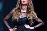 Nina Moric torna in passerella: lo stile è fetish