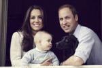 Kate, William e George: ritratto di famiglia... con il cane