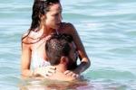 Raffaella Fico, vacanze d'amore a Saint-Tropez