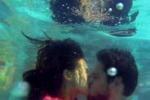 """Kiss Event"", vince chi si bacia più a lungo sott'acqua"