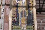 Un mosaico liberty fra le bancarelle del mercato del Capo
