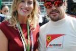 Monza, il ministro Boschi ai box della Ferrari con Alonso