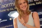 La bellezza di Eva Herzigova al Taormina Film Fest: le foto