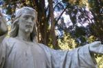 Messina, vandalizzate le sculture del cimitero: le immagini
