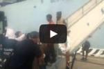 Arrivano a Messina 500 migranti: le immagini