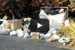 Messina, 50 tonnellate di rifiuti invadono le strade: le immagini