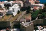 Da colonia penale a spazio d'arte: mostra al Castello di Lipari