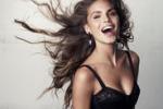"""Nina Senicar: """"So far ridere gli uomini"""""""