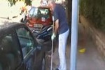 Palermo, rifiuti in via Lombardia: pulisce un residente