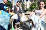 Palermo, giovani in azione per ripulire piazza Lolli
