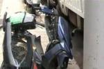 Carcasse di auto e moto a Palermo