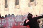 Scontri tra studenti e forze dell'ordine a Palermo: le immagini