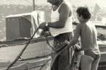 Palermo 1978, padri al lavoro con i figli - di Gigi Petyx