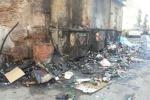 Castelvetrano, in fiamme cumuli di spazzatura: intervengono i vigili del fuoco