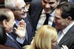 Crocetta scherza con Berlusconi alla Camera