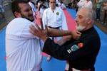 Lezioni di arti marziali in strada a Palermo: le immagini