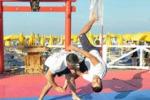 Dal karate al kyudo, arti marziali in spiaggia a Mondello