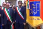 Comuni accorpati alle città, sindaci siciliani in piazza a Palermo