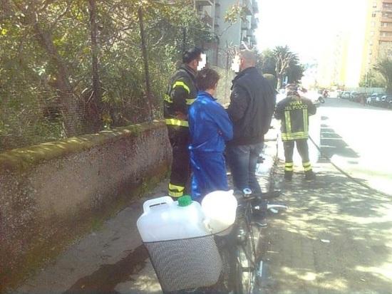 Palermo fuoco ai rifiuti in via dell 39 acacia interviene - Nomi ragazze diva futura ...