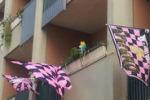 Verso la serie A, le bandiere del Palermo colorano anche Roma