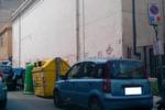 Via Arcoleo, stallo di sosta per i disabili occupato dai cassonetti