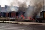 Palermo, in fiamme un asilo abbandonato in via XXVII maggio