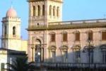 Una Rolls, oggetti in oro e mobili: maxi furto al Castello di Ispica