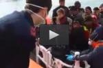 Barconi soccorsi nel Canale di Sicilia: le immagini