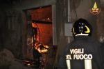 Molotov contro un'agenzia funebre a Scicli, indagini
