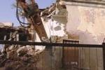 Demolita l'ex caserma della finanza a Punta Secca