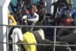 Immigrazione, sbarco a Pozzallo: fermati 4 presunti scafisti