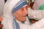 100 anni fa nasceva Madre Teresa, il mondo la ricorda cosi'