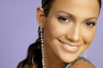 """Love?, il nuovo disco di Jennifer Lopez: """"L'amore confonde"""""""