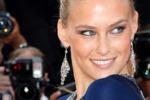 Bar Rafaeli a Cannes: sul red carpet sfila la seduzione