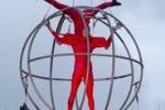 LA FOTO. Spettacolo di acrobazie dai Paesi Bassi
