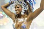 Il Carnevale di Rio tra colori e sambiste sempre piu' hot