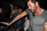 Tommy Vee a Palermo: si brinda al divertimento