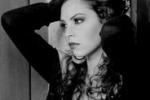 Sonia e la moda: in posa per giocare e comunicare