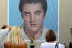 La morte di Elvis 35 anni fa. Migliaia di fan lo ricordano