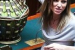 Camera, la montiana Valentina Vezzali vota col pancione