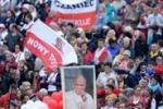 I due papi santi: alla cerimonia 800 mila pellegrini da tutto il mondo