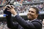 Il Fenomeno lascia il calcio, omaggio del Real