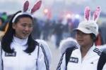 Maratona di Pechino, 30 mila atleti: si corre in costume