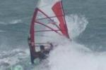 Windsurfisti sfidano il maestrale di Mazara