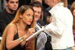Nba, la vera star è Rihanna
