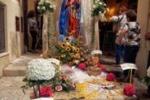 La Madonna del Rosariello, scalinata in fiore a Trapani