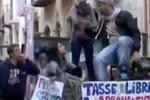 Calatafimi, niente rimborsi: in piazza 350 studenti pendolari